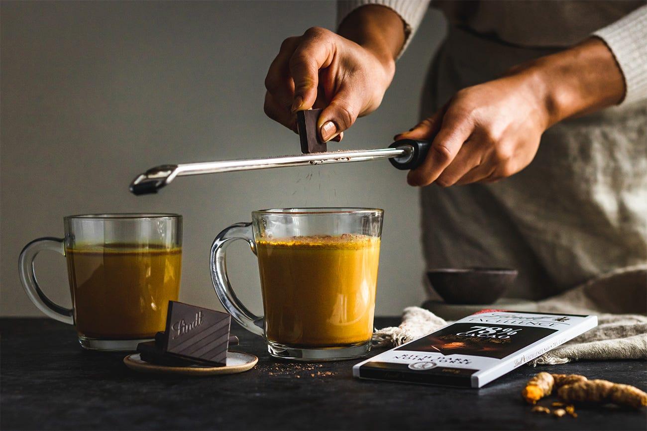 Lait d'or au chocolat noir (chocolat chaud bon pour vous) Step 4.
