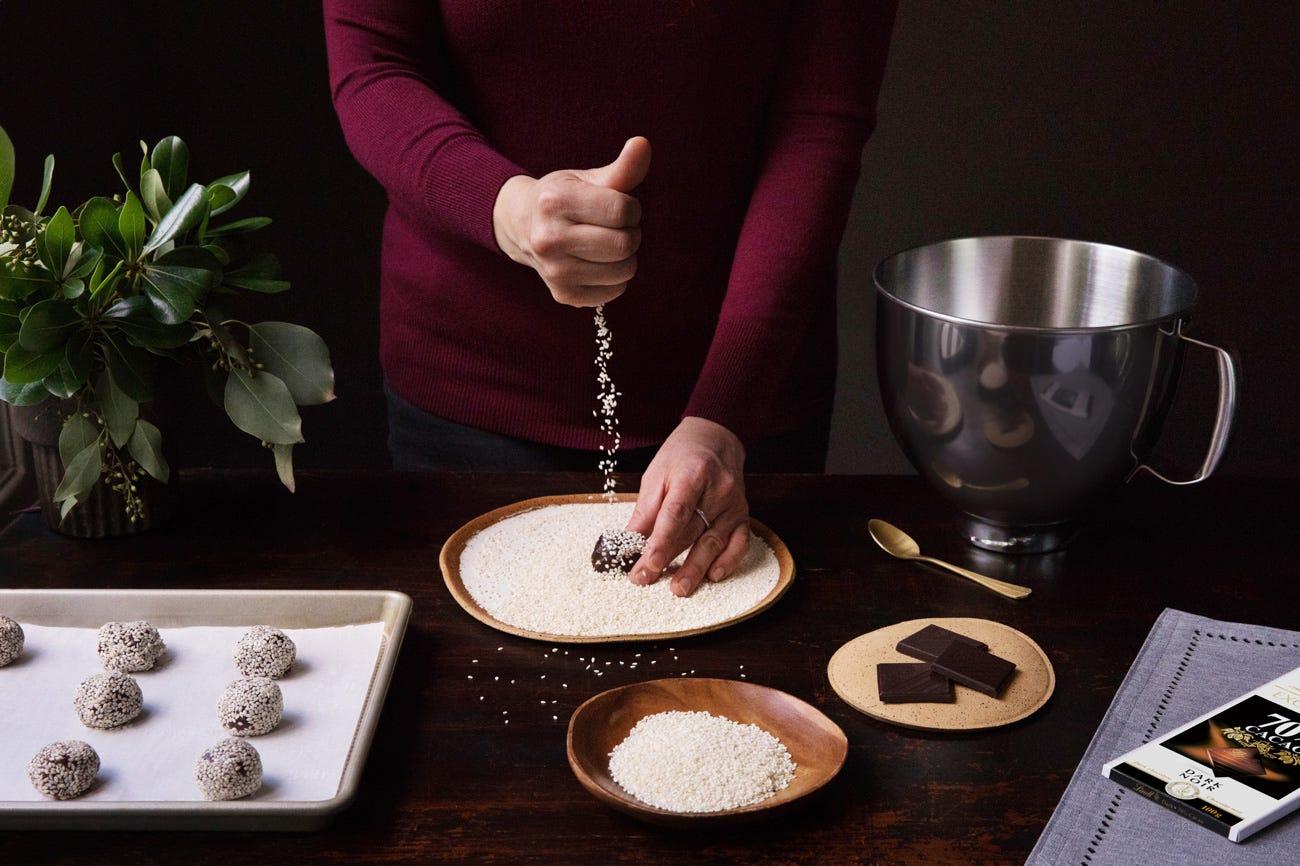 Biscuits végétaliens au chocolat et au tahini Step 6.
